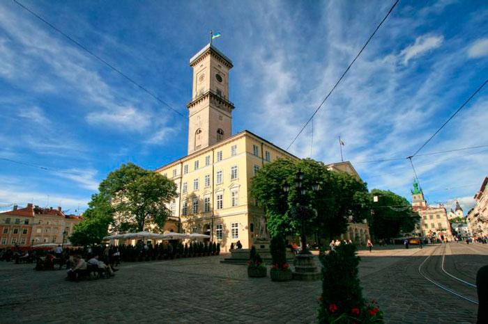 ратуша Львова в автобусном туре из Минска